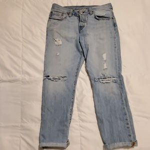 Levi's 501 Mid-Rise Tapered Jean